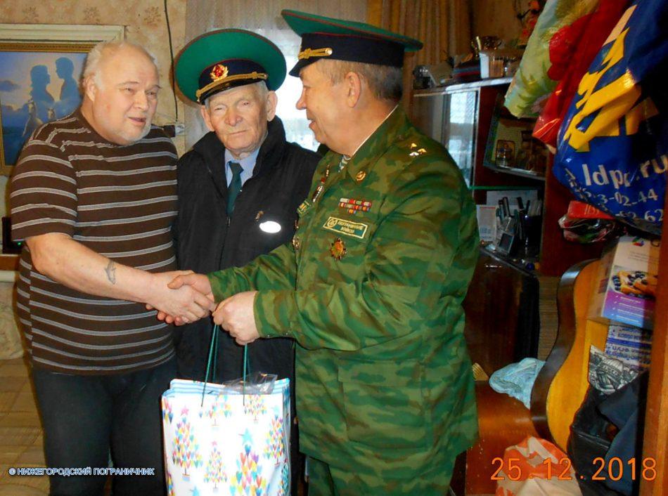 Поздравили с наступающим Новым годом ветерана ПВ (морчасти ПВ) Сергея Иголкина.